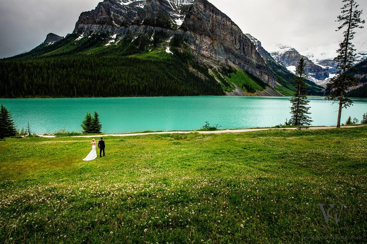 Chateau Lake Louise wedding photographers photos_020