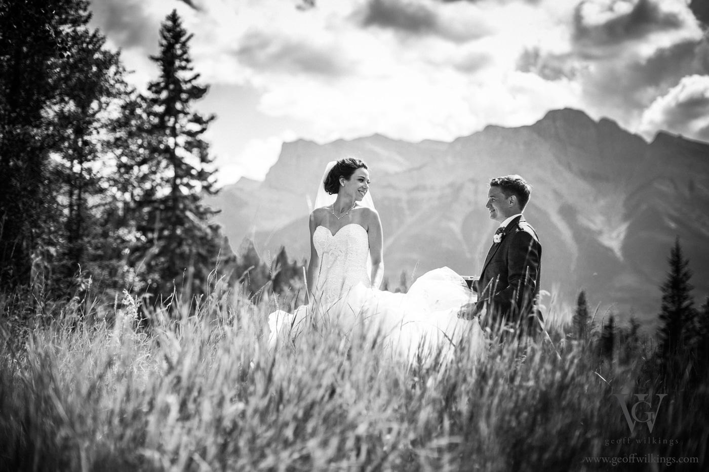 Silvertip wedding photos Calgary wedding photographers Geoff Wilkings Photography_018